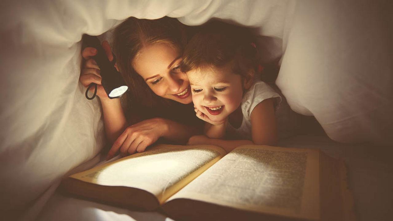 Когда начинать читать ребенку сказки?